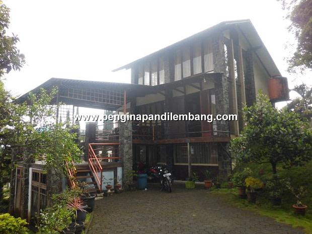 Villa Istana Bunga Lembang Villa Revin 1 Kamar