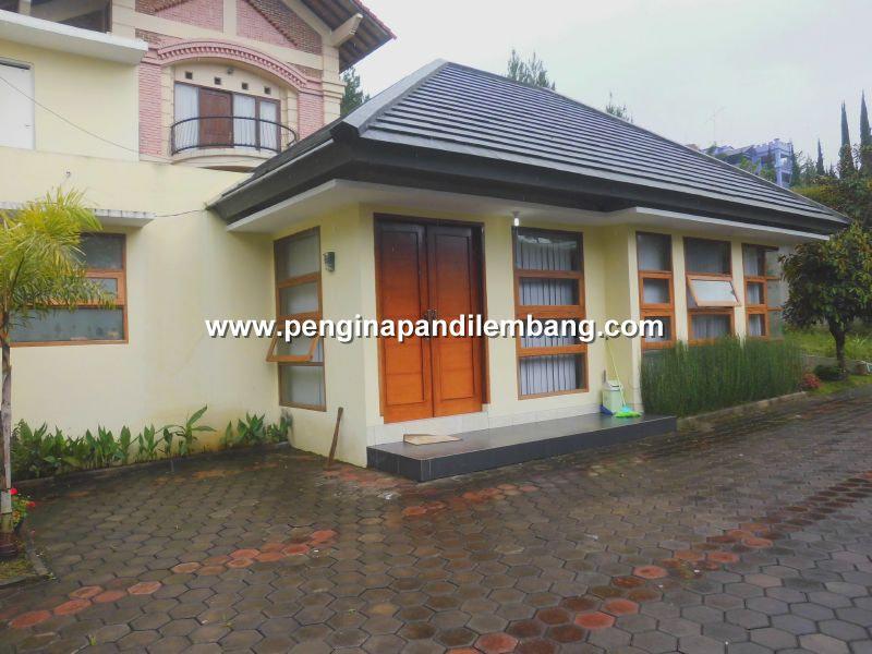 Villa Istana Bunga Villa Dudi 4 2 Kamar